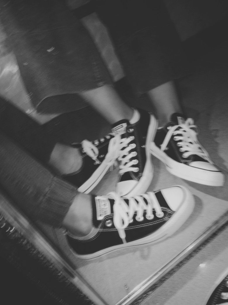 6e7375b40 aesthetic converse chuck taylor low black | taken by me