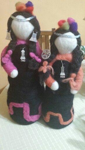 Muñecas mapuches de fieltro