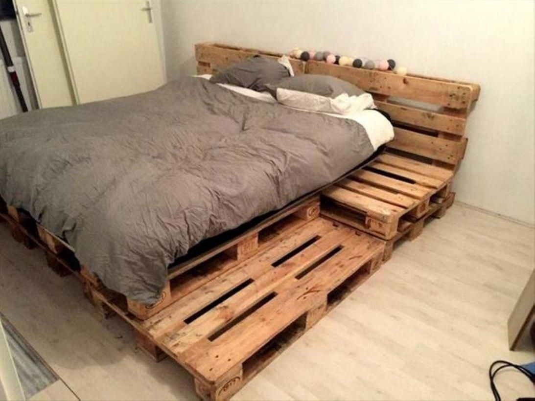 Diy Platform Bed Gives The Impression Of A Higher Bed 11 Homedecorpalets Pallet Furniture Bedroom Pallet Furniture Bed Diy Pallet Bed