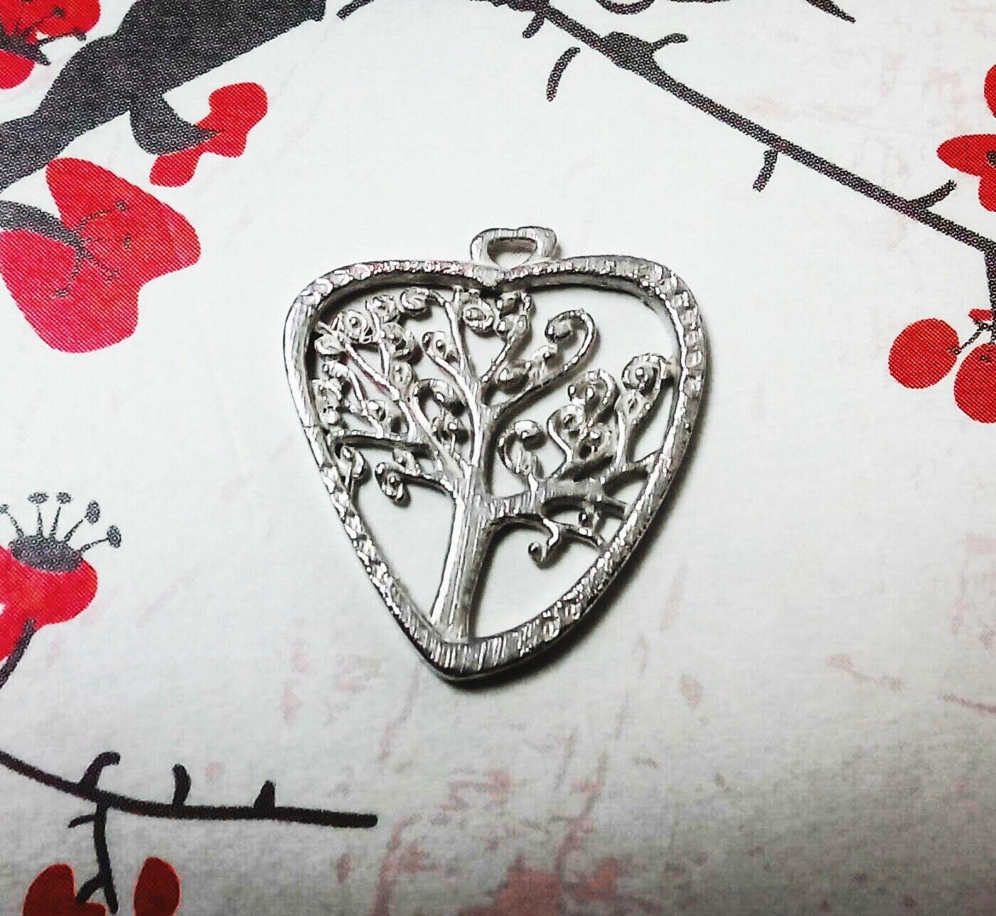 014a745cf87d Diseño 3D medalla corazón con árbol de la vida. Diseños personalizados.  Joyas personalizadas en