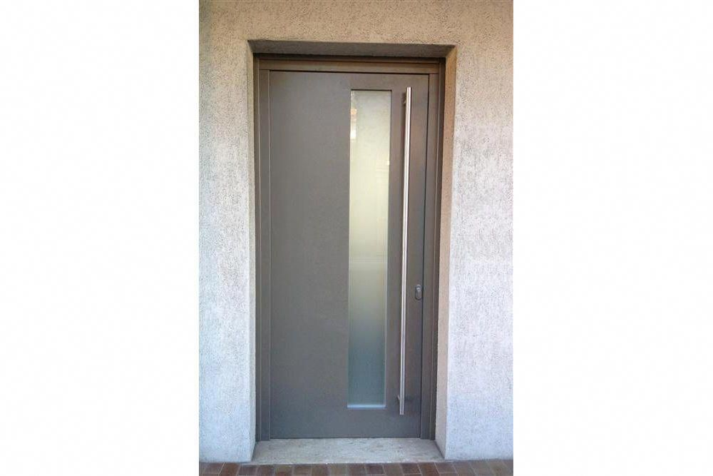 Front Door With Aluminum Coating On The External Side With Long