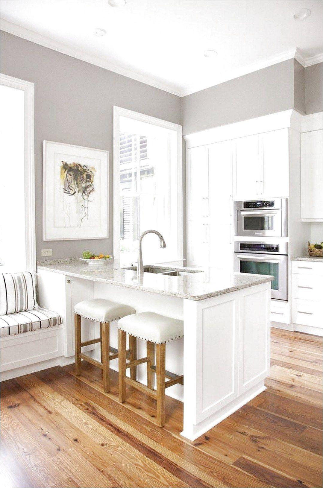 Perfect Color Wood Flooring Ideas 9 Light Medium Wood Floor White Cabinets Gray Walls Ceramicfloordesign Grey Kitchen Walls Wood Floor Kitchen Grey Walls