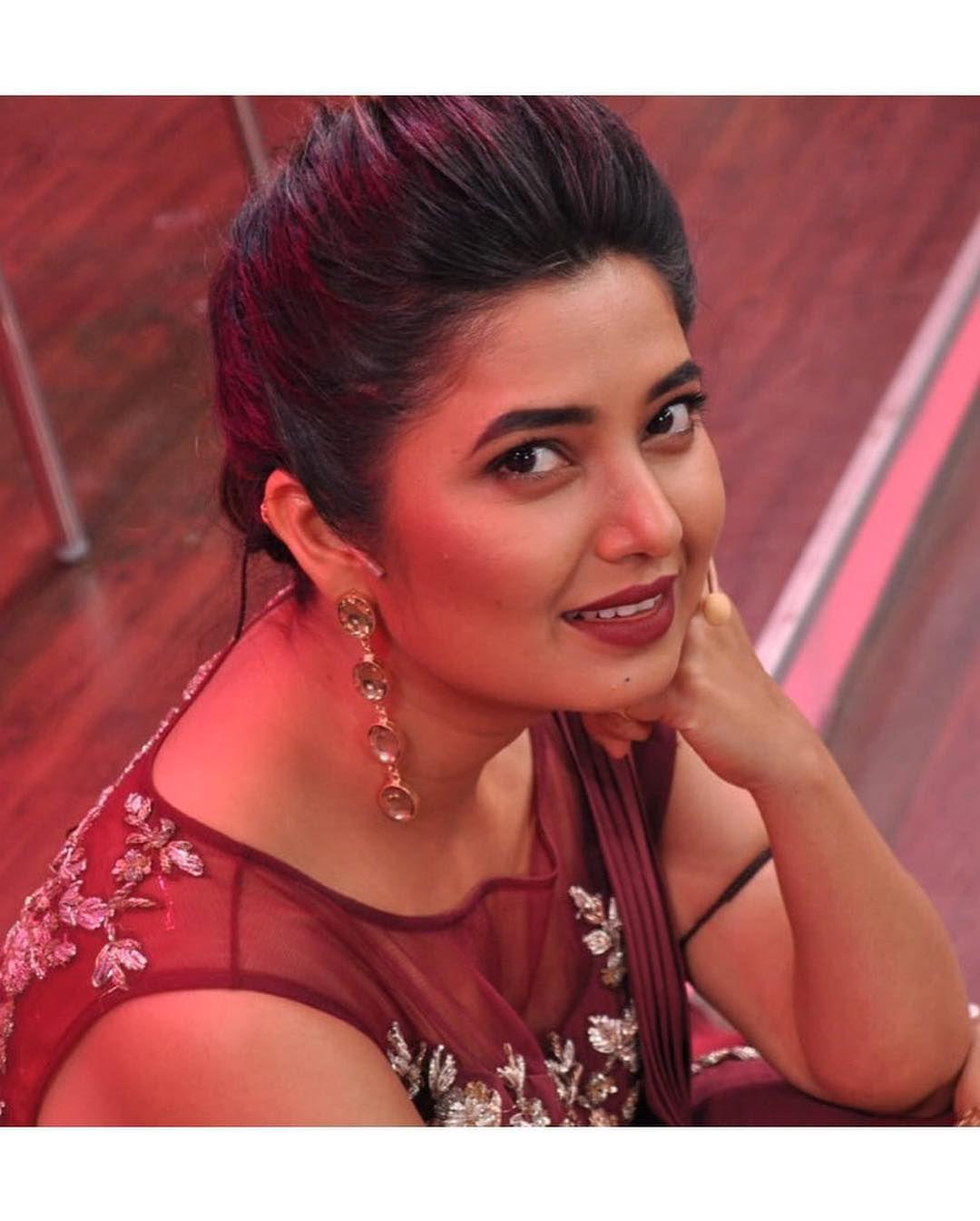 Kriti Sanon Images   DreamPirates in 2020   Beautiful
