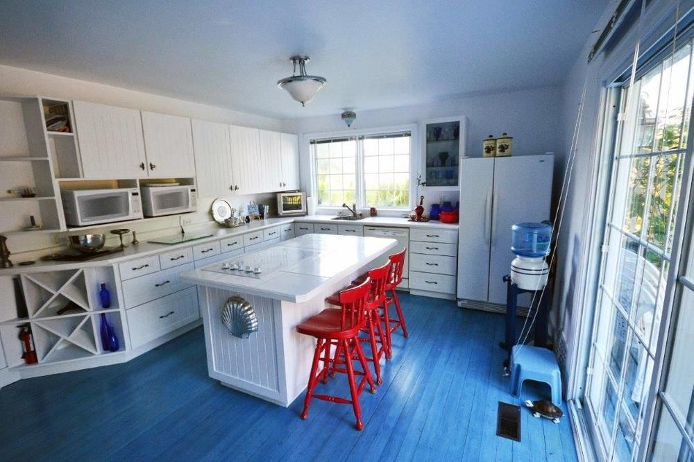 kitchen -2.jpg