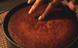 Nigella ensina receita de bolo de tangerina - Receitas - Receitas GNT