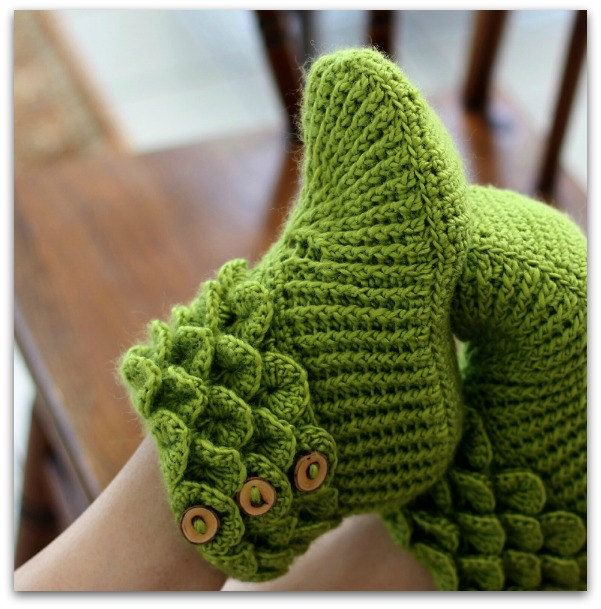 CROCHET PATTERN: Dragon Slippers Crocodile by bonitapatterns