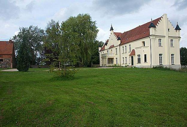 Gutshaus Penzlin, D-16945 Meyenburg, Landkreis Prignitz - herrenhaus 12 jahrhundert modernen hotel
