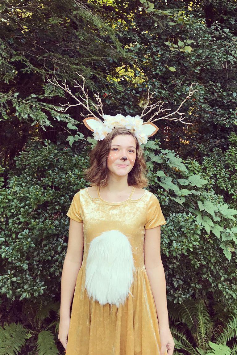 1858919425b 50+ Easy Last-Minute Halloween Costume Ideas - DIY Halloween Costumes 2018
