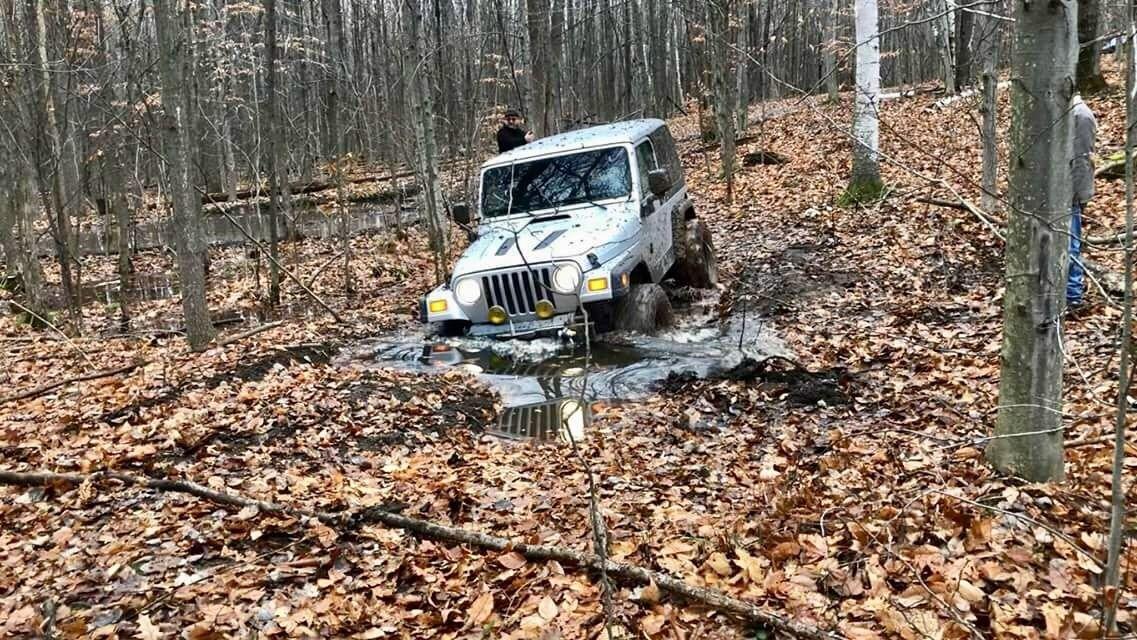 Pin On Jeeps Doing Jeep Stuff