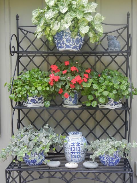 The French Tangerine Blue And White Chinoiserie On Baker S Rack