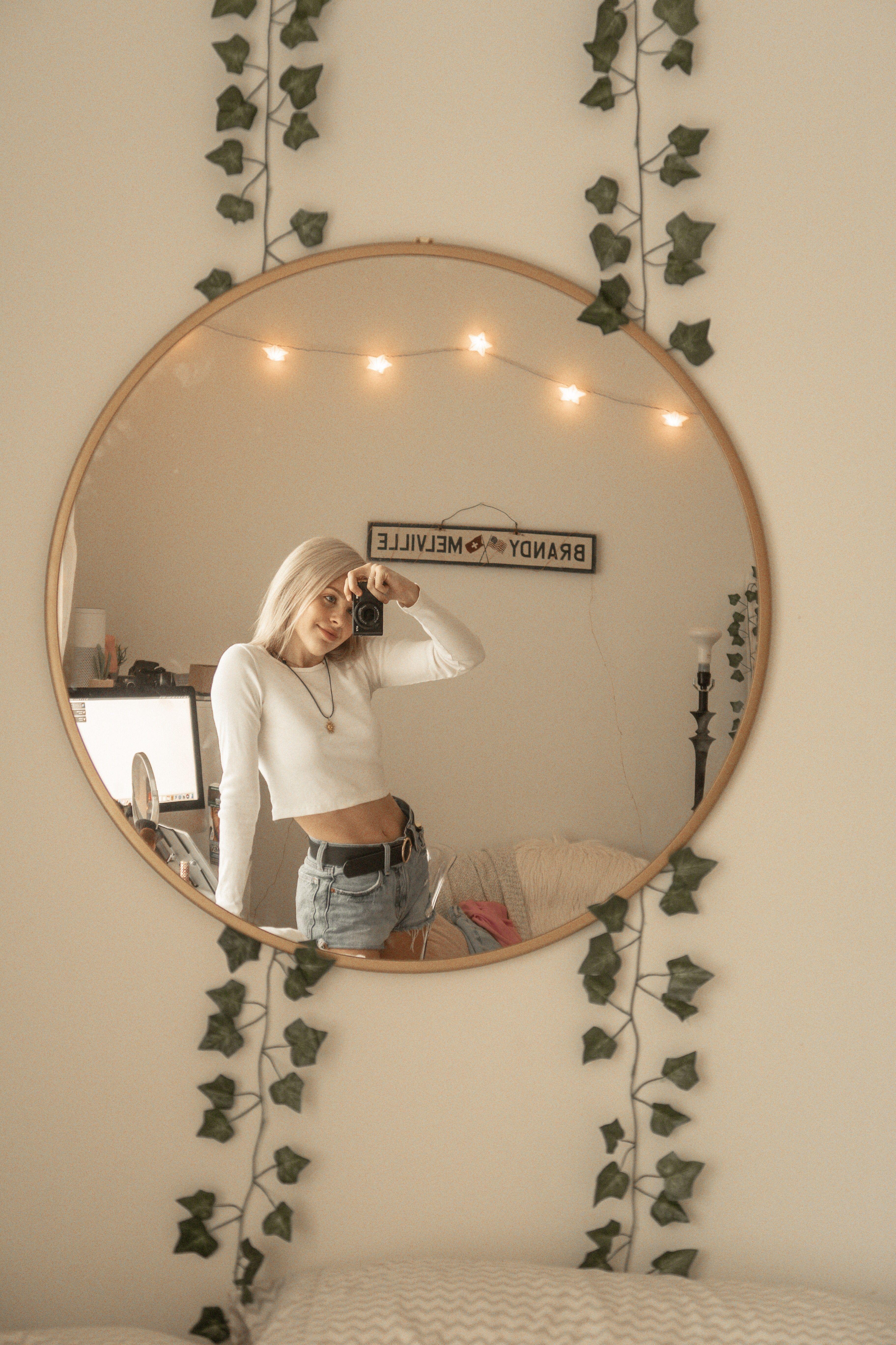 mirror selfie ootd inspo