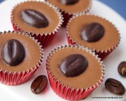 Zartschmelzende Kleinigkeit: Cappuccino-Nougat-Töpfchen [Buchrezension] - Schokohimmel