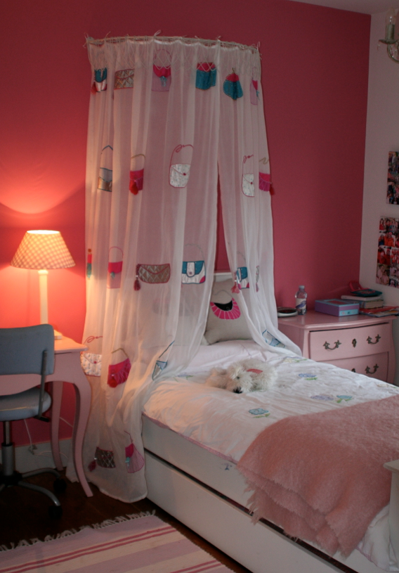 Tatiana S Age 10 Bedroom One Accent Wall And Sheer Curtains Over Bed Y But Not Babyish