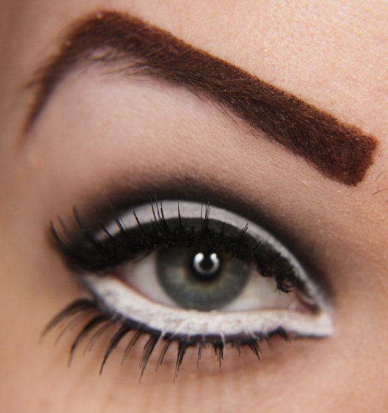 Tutorial 60 S Smichties With Images White Eyeliner 60s