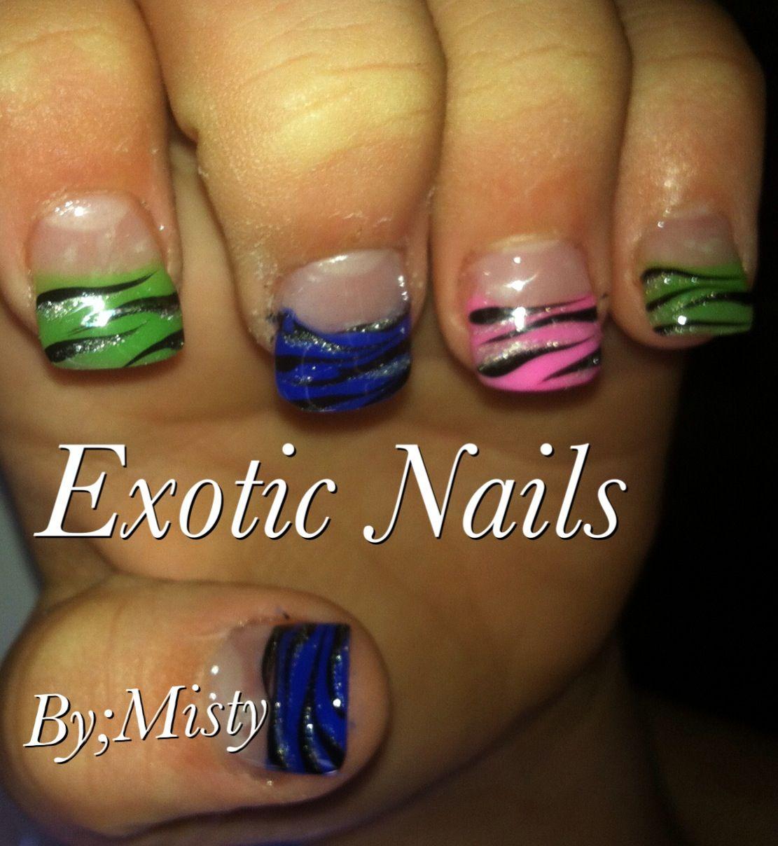 Zebra nail art   Exotic Nails Hand painted nail art   Pinterest ...
