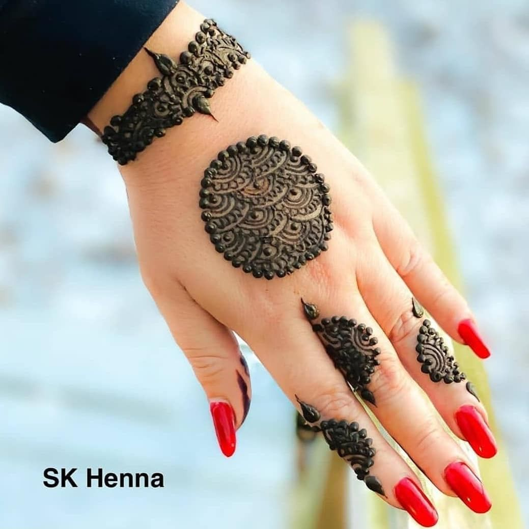 Stylish Henna For Hand In 2020 Henna Tattoo Designs Henna Tattoo Meanings Tattoo Designs