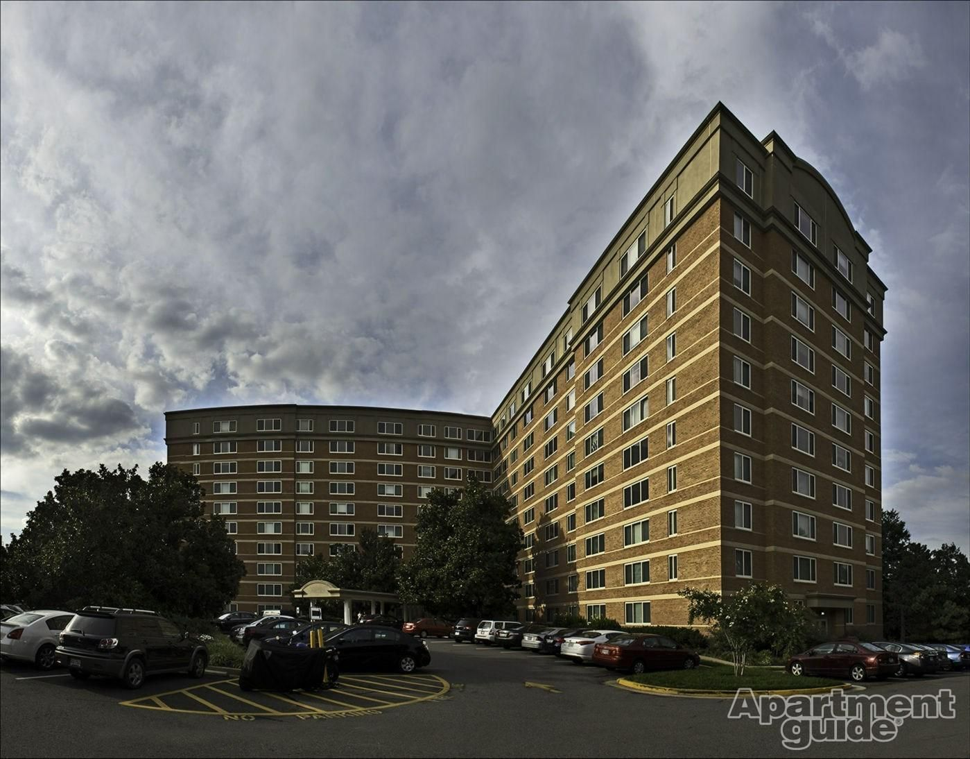 Potomac Towers Apartments Tower, Pet friendly apartments