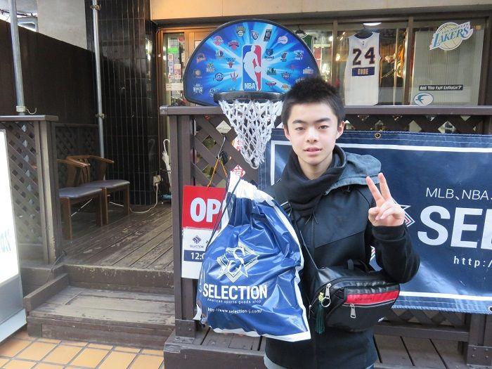 【新宿2号店】2015.01.11 12月ぶりのご来店♪レブロンボールでたくさん練習して下さいね!!活躍を期待しています(^O^)
