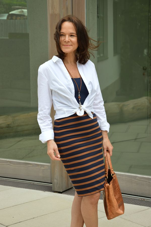 how to wear a white shirt with a pencil skirt white