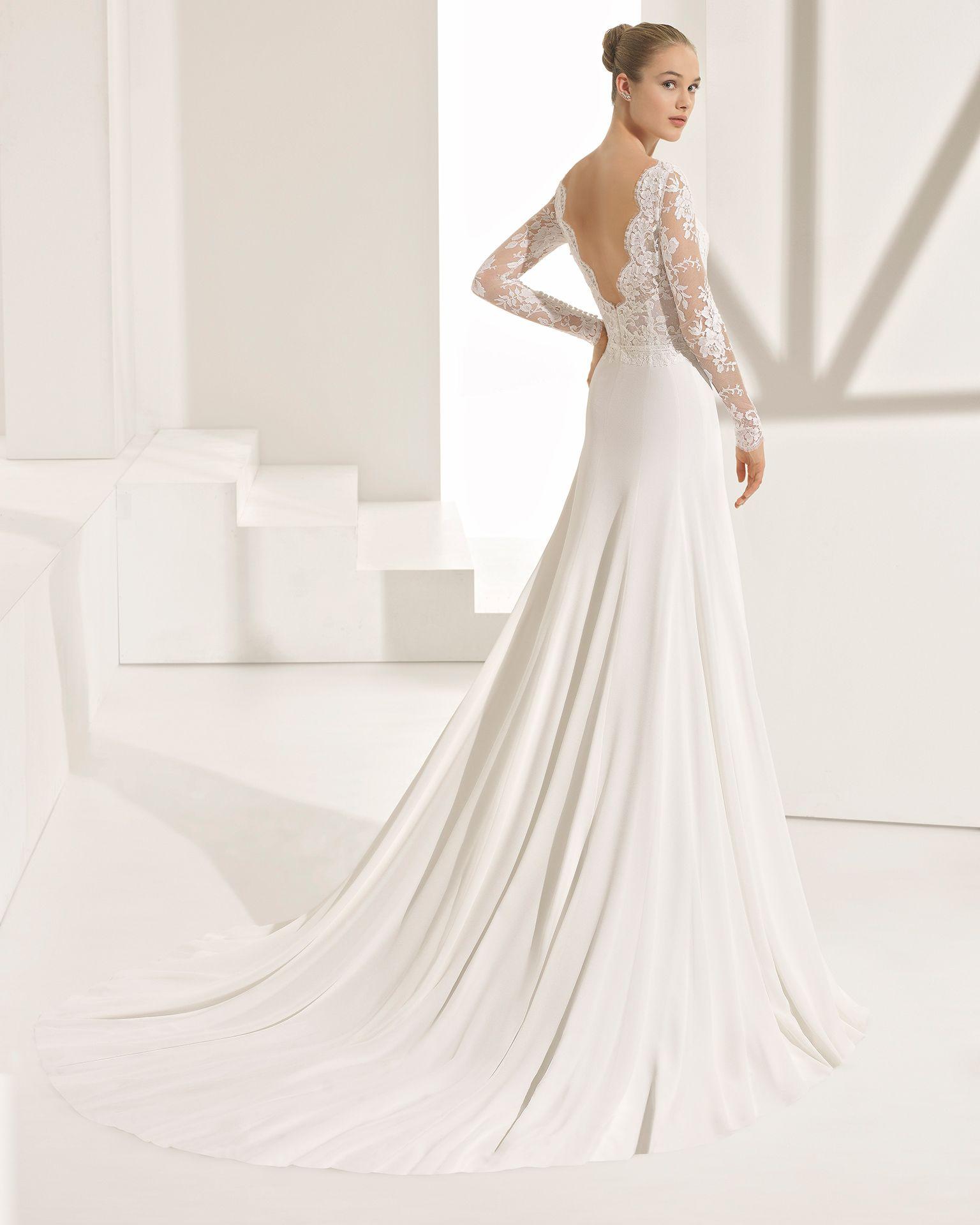 90a3e5768 Vestido de novia estilo evasé de encaje y georgette de manga larga