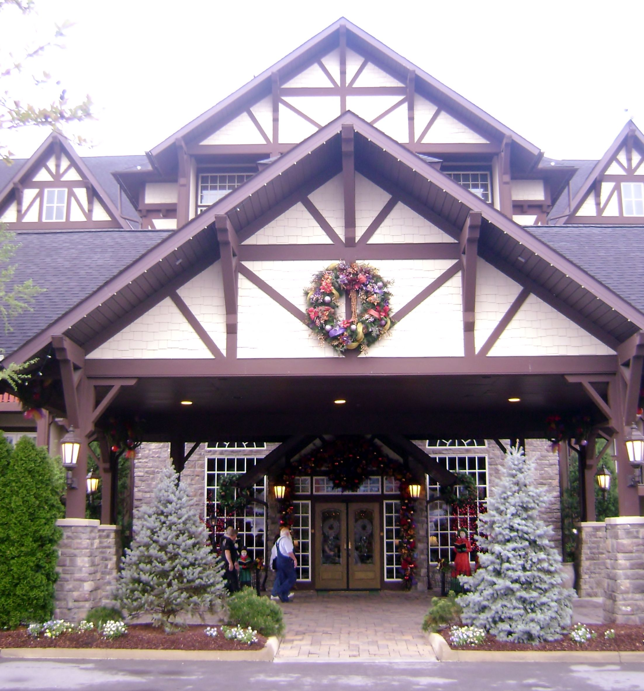 Entrance to The Inn at Christmas Place, Pigeon Forge, TN. | Smoky ...
