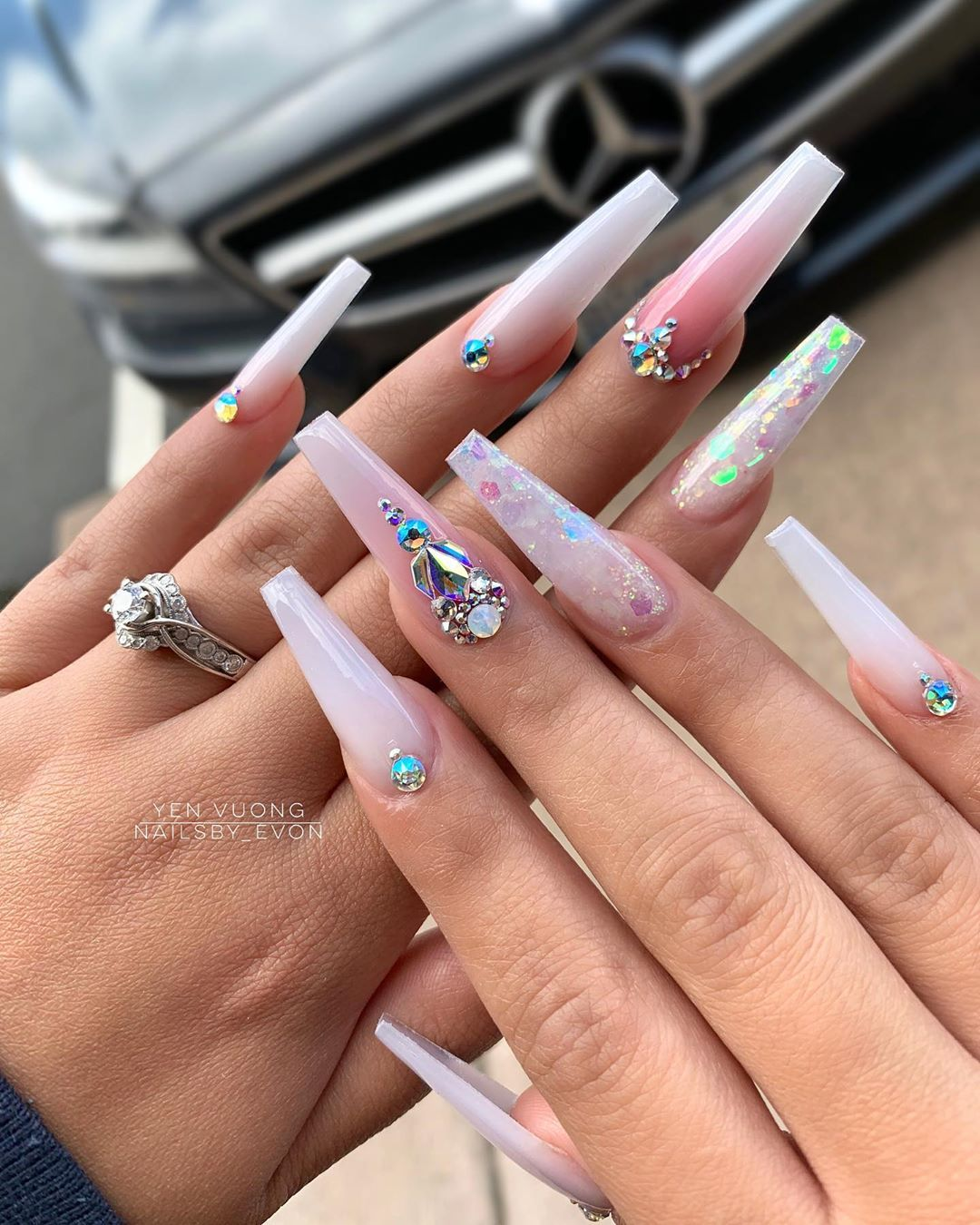 "Evon Yen Vuong on Instagram: ""'People likes a nail pic by seeing themselves wearing it'  Is that true?  Simple or extra? Products used: @evnailshop .EV American white…"""