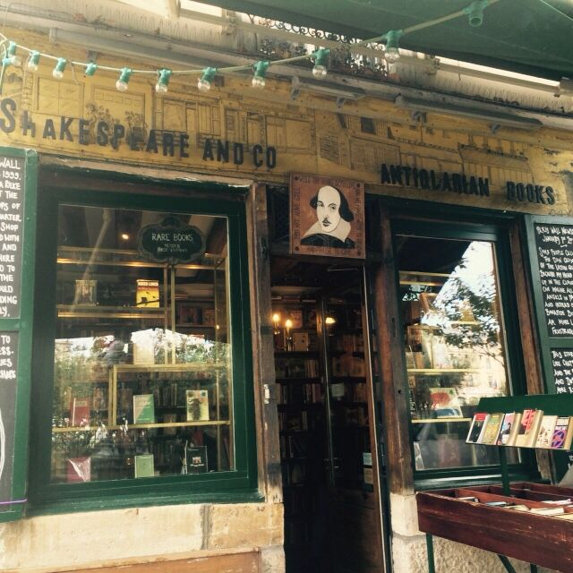Shakespeare and co, old library, Paris