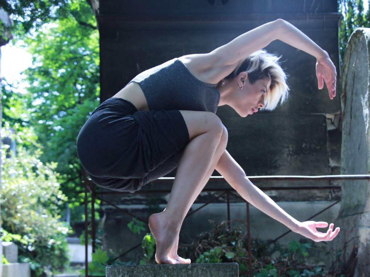 A Paris, cette danseuse syrienne utilise la capitale