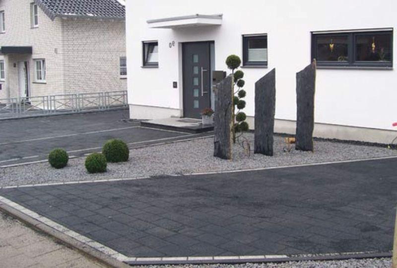 einfahrt pflaster oder asphalt wohn design. Black Bedroom Furniture Sets. Home Design Ideas