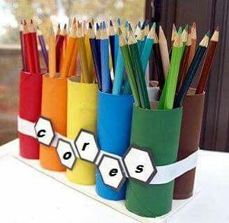 Porta lápis feito com rolinhos de papel higiênico
