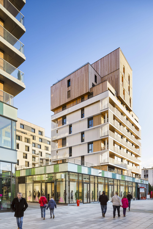 Galeria De Complejo De Casas Y Tiendas Ameller Dubois Associes 11 Fachada Arquitectura Arquitectura Residencial Arquitectura De Edificios