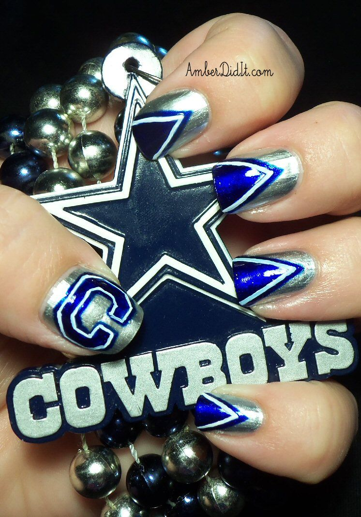 Dallas Cowboys Nails, I have friends that would love this. Me ...