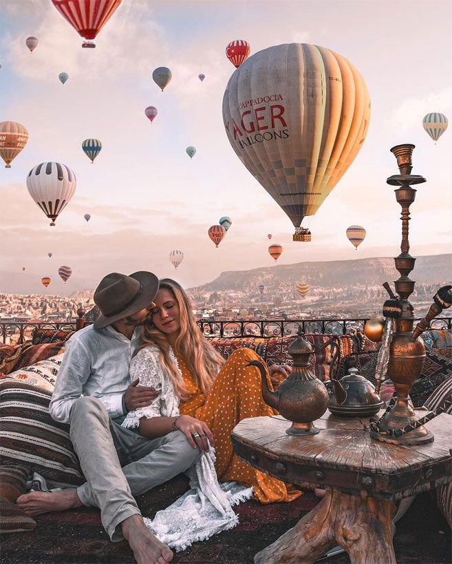 , Cute Engagement Photo Shoot Ideas That'll To Melt Your Heart, Travel Couple, Travel Couple