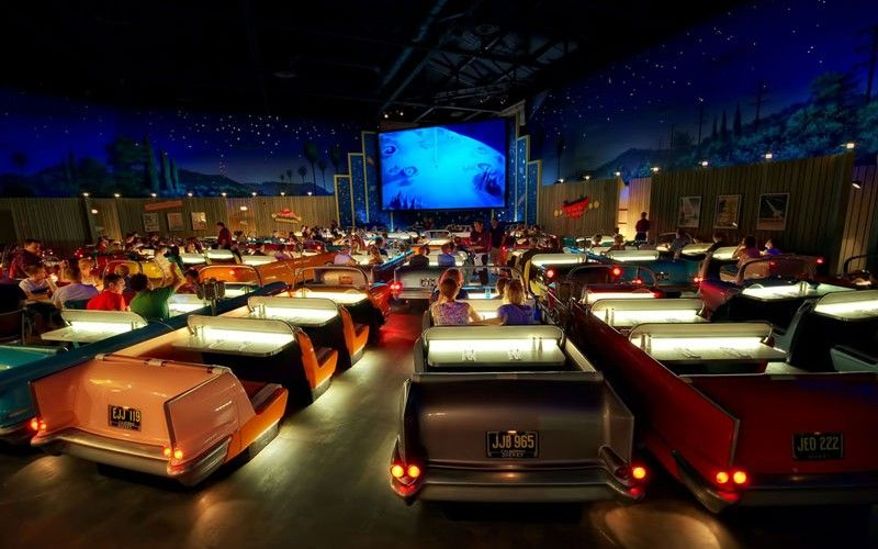 A Must Do Sci Fi Dine In Theater Disney S Hollywood