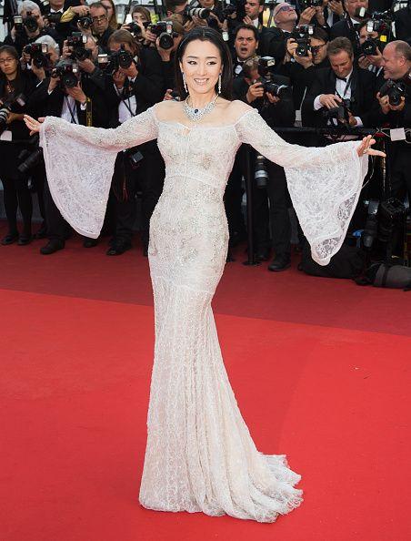 991ea2ad391e Gong Li in Cavalli Couture. Gioielli Piaget. - Cannes 2016