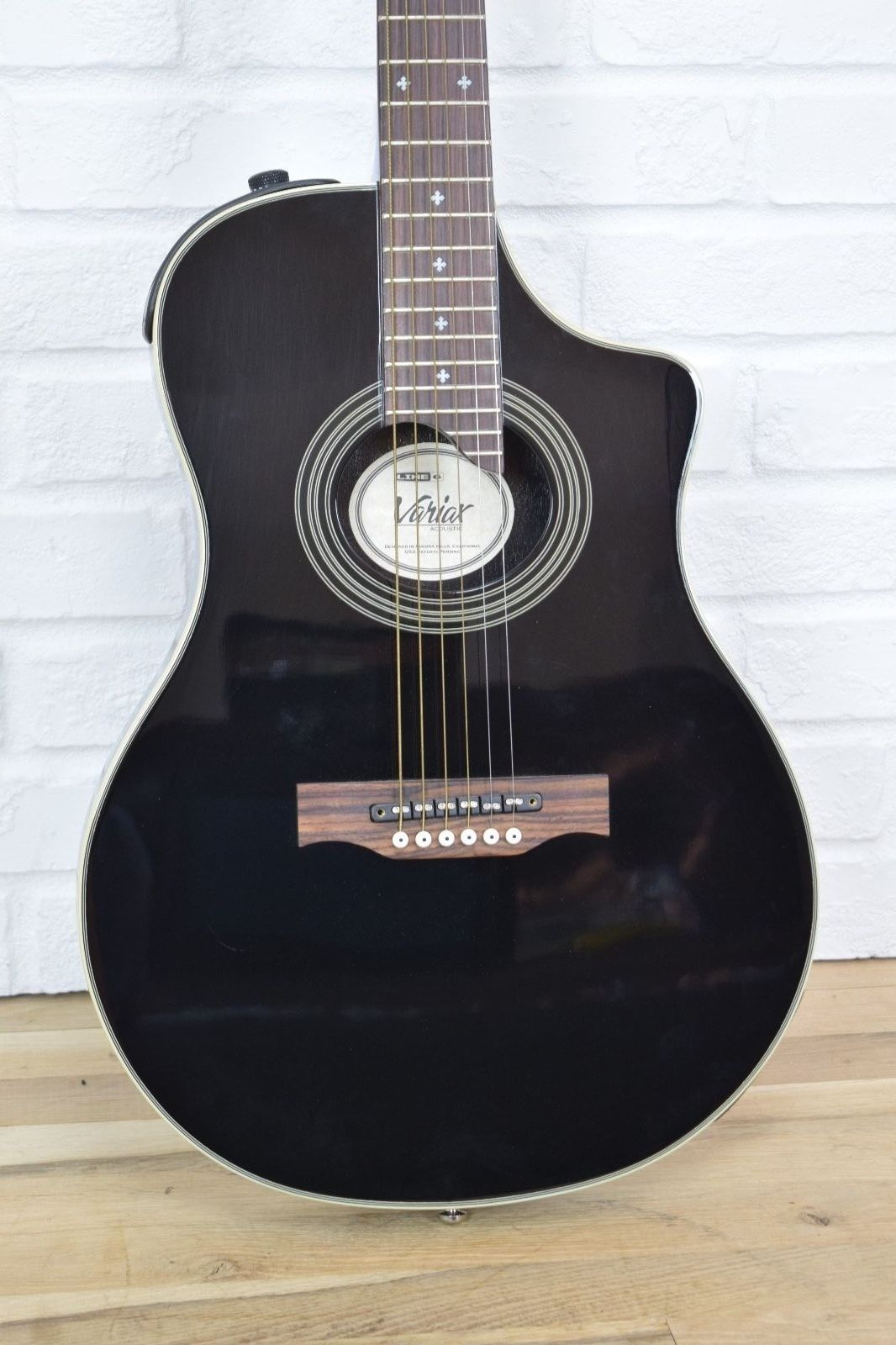 Line 6 Variax 700 Acoustic Electric W Case MINT Used Guitar For Sale
