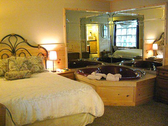 Tennessee for honeymoon Honeymoon Rooms in Gatlinburg Tennessee