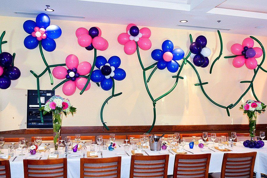 Balloon flowers and vines wall decorations balloons for Balloon decoration on wall for birthday
