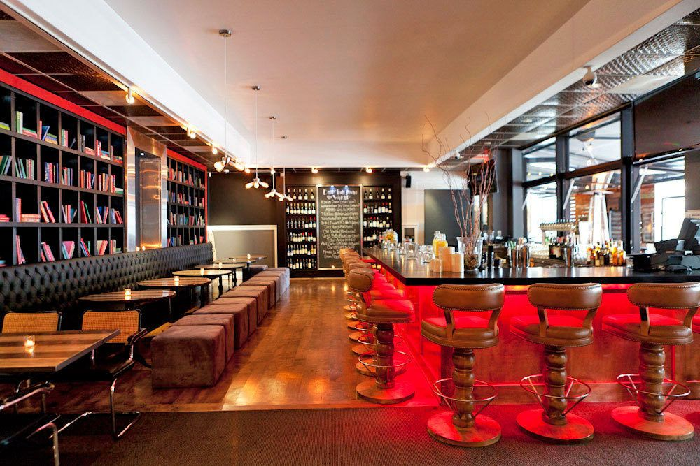 The Village A Sharp Gastropub Grows In Studio City Bar Design Restaurant Studio City Los Angeles Restaurants