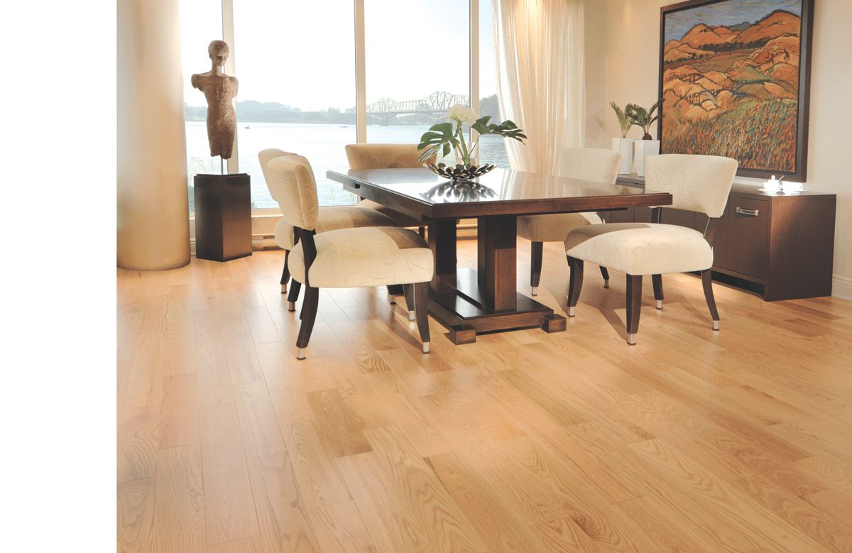 Red Oak Exclusive Natural Collection By Mirage Floors Red Oak Hardwood Floors Red Oak Floors Natural Oak Flooring