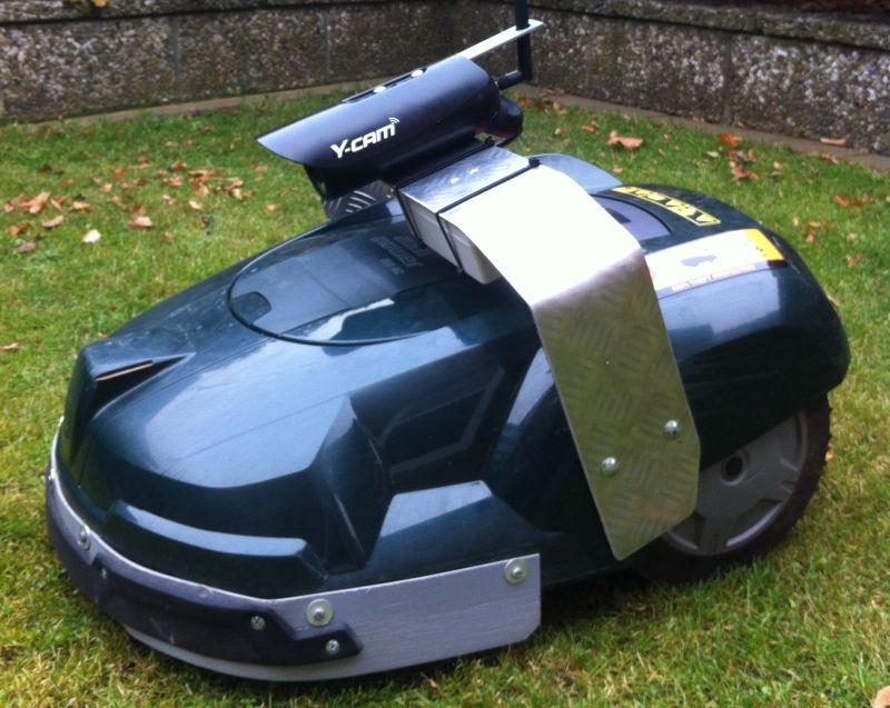 automower mit montierter web cam automower pinterest. Black Bedroom Furniture Sets. Home Design Ideas