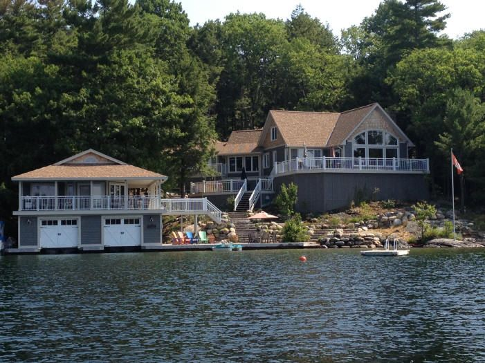 Muskoka cottage cottages pinterest boat house and house for Cottage designs ontario