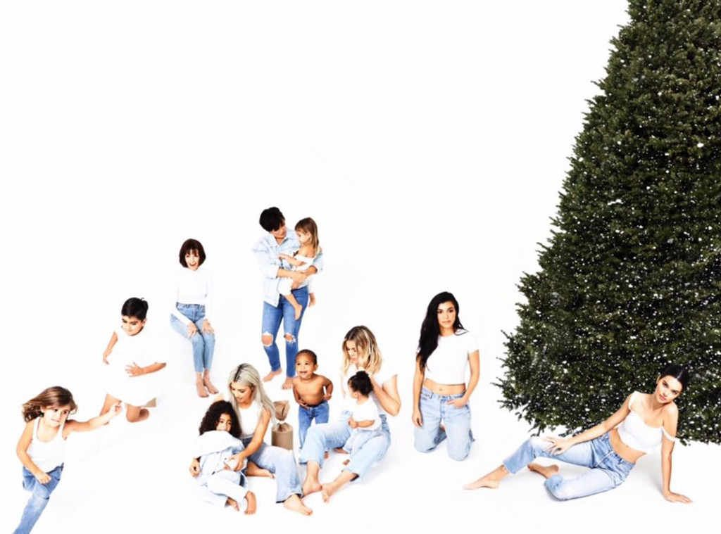 The Final 2017 Kardashian Christmas Card Is Finally Here