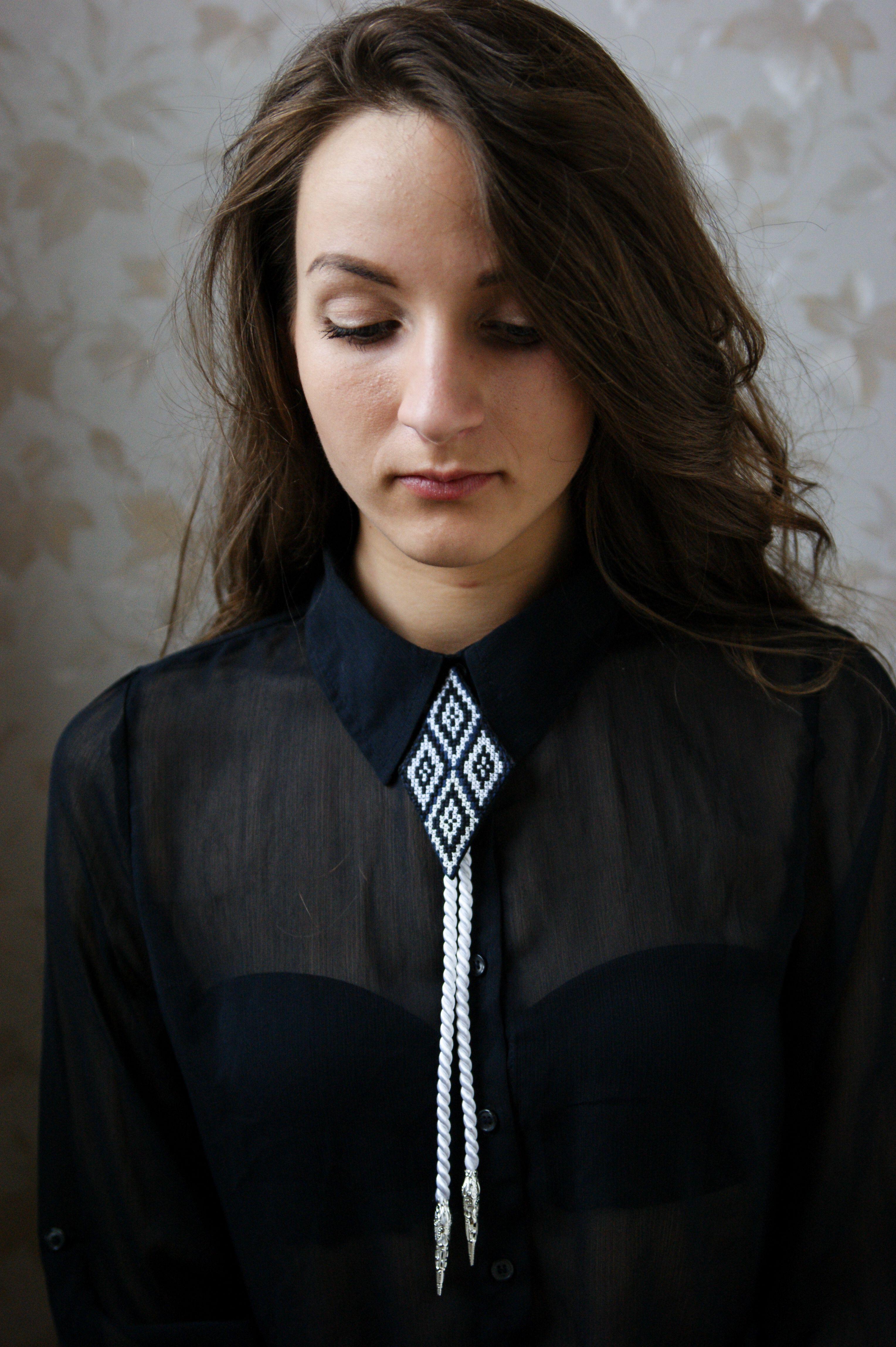 cff69b330a21 Simple Necklace Designs, Friendship Necklaces, Vintage Men, Clothes For  Women, Nice Clothes