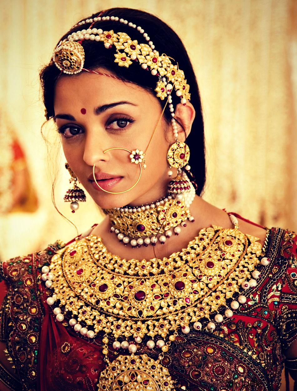 aishwarya rai in jodhaa akbar - jewels of a rajputni/mughal empress