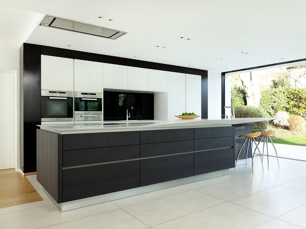 About alno modern kitchens on pinterest modern kitchen cabinets - Like The Two Tone Finish Of White And Wood And The Framing Of The White Cupboards Hession Alno Star Fine Matt White Star Natureline Carbon Oak Kitchen