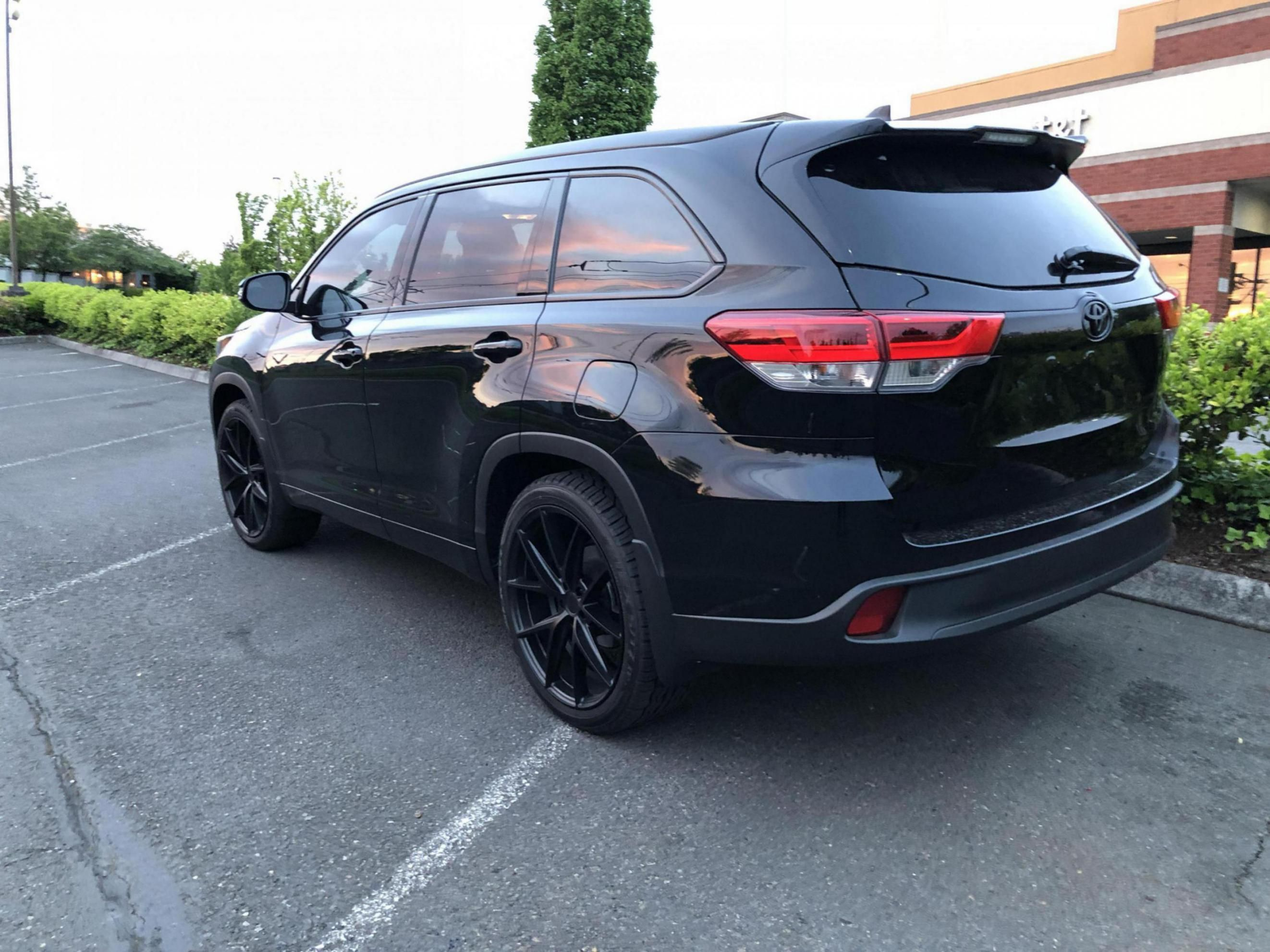Https Www Toyotanation Com Threads Please Post A Picture Of Your Aftermarket Wheels 1480818 Page 7 In 2020 Aftermarket Wheels Toyota Toyota Highlander