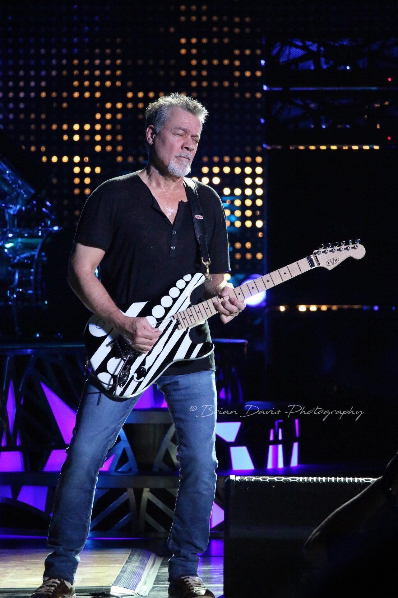 Pin By Frank Schiminesky On Eddie Van Halen In 2020 Eddie Van Halen Van Halen Van Halen 5150