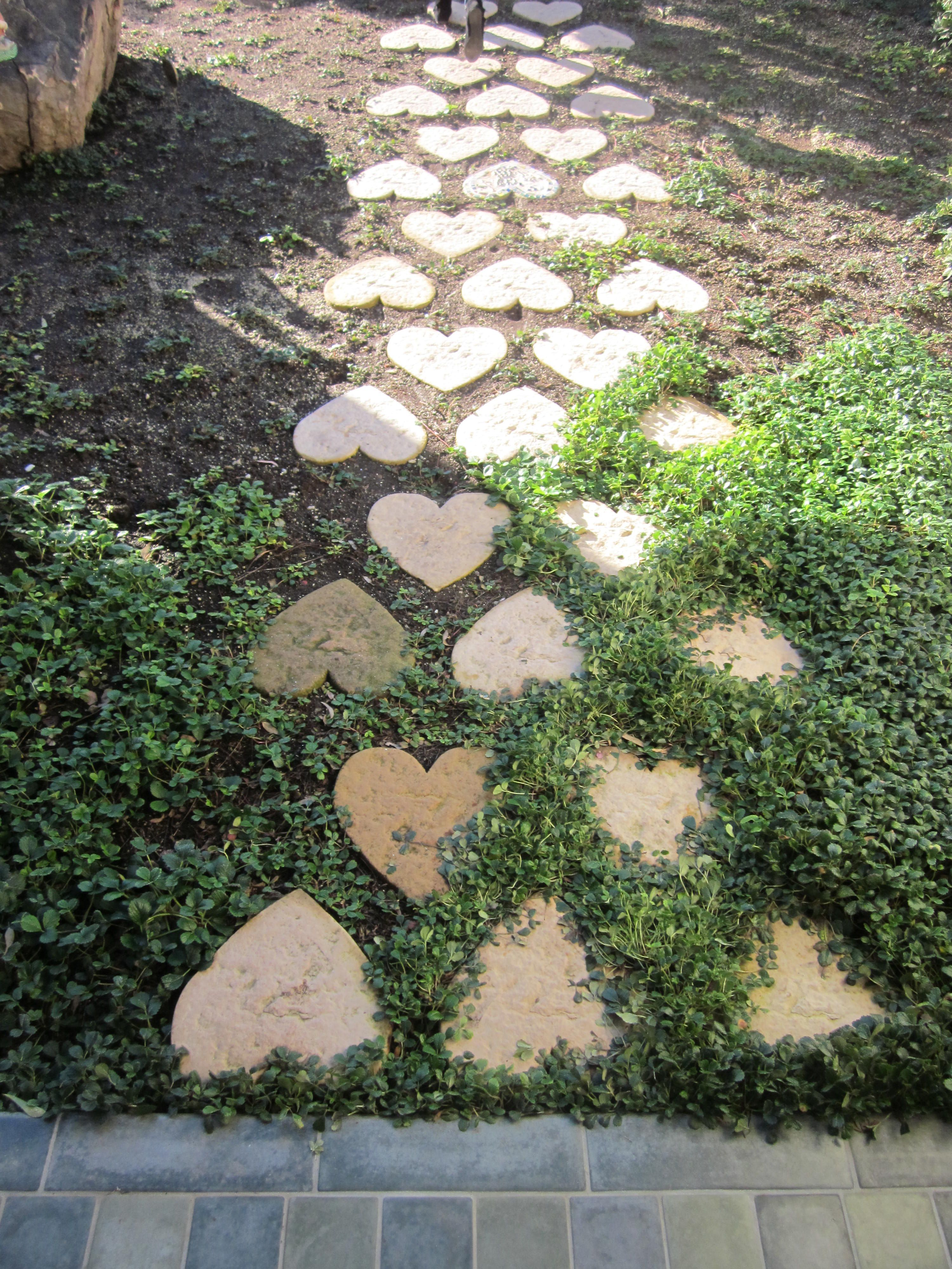 heart shaped stepping stones to the potting shed I love