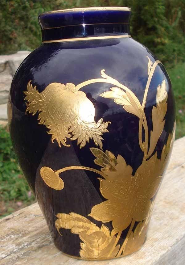 Vase Porcelaine De Limoges Bleu Nuit Et Or Signe Dans Le Decor Porcelaine De Limoges Vase En Porcelaine Bleu Nuit
